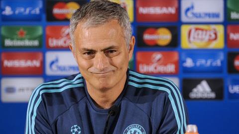Với Mourinho, chẳng có cầu thủ Chelsea nào là không thể đụng đến