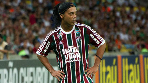 Ronaldinho chia tay Fluminense chỉ sau 9 trận