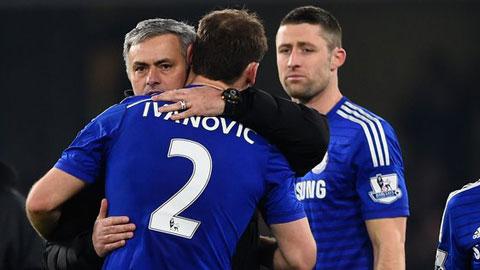 """Ivanovic """"bỏ bùa"""" Mourinho?"""