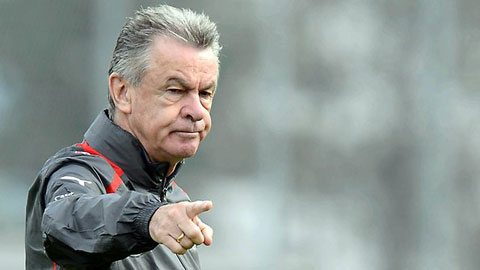 Với cựu HLV Hitzfeld, Bayern và Dortmund đều sở hữu những cá nhân gây đột biến