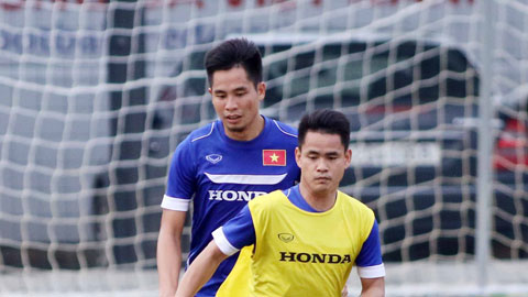 ĐT Việt Nam thi đấu nội bộ: Liên tục hoán đổi vị trí và thử nghiệm