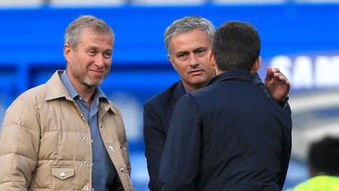 Chelsea, hãy sa thải Mourinho trước khi quá muộn!