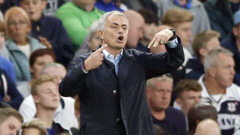Tôi thấy Mourinho nên chuyển sang đóng phim...