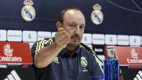 Benitez quả quyết Real vẫn đang chơi cống hiến