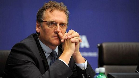 Sau Blatter & Platini, đến lượt Tổng thư ký FIFA Jerome Valcke bị đình chỉ công tác