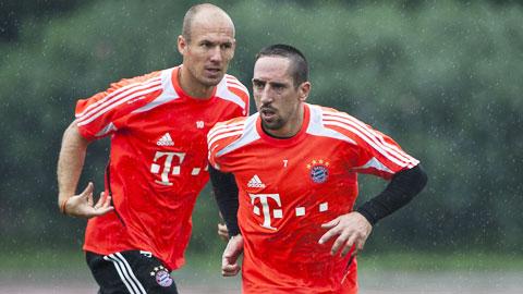 Robben và Ribery khiến Pep khó xử