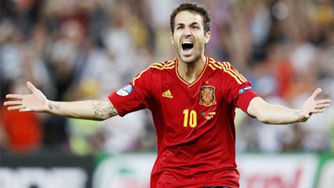 Fabregas là chân kiến tạo nhiều nhất lịch sử bóng đá Tây Ban Nha