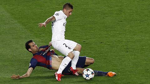 """Barca bắt đầu """"săn"""" tiền vệ"""