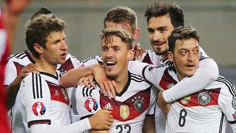 ĐT Đức kết thúc vòng loại EURO 2016: Hai bộ mặt của Nhà vua