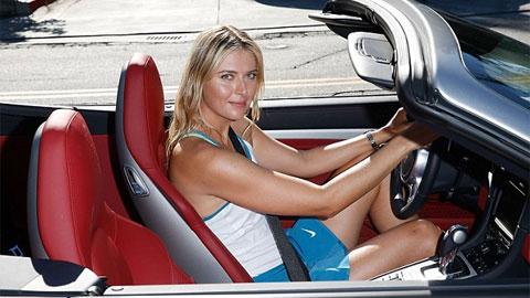 Sharapova lái Porsche đi làm từ thiện