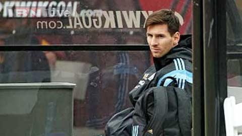 Messi khó xử vì ĐT Argentina