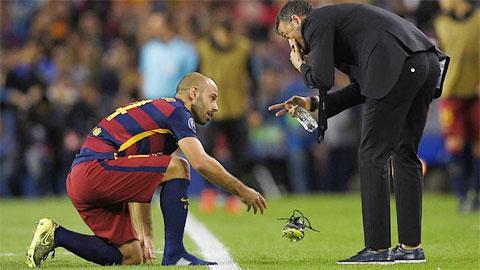 Mascherano đã đá hơn 1.000 phút không nghỉ