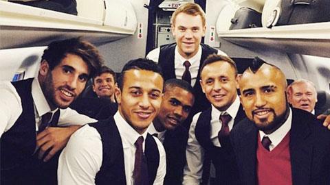 Toàn đội Bayern đến London sớm vì sợ tắc đường