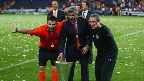 HLV Mircea Lucescu cán mốc 100 trận ở Champions League