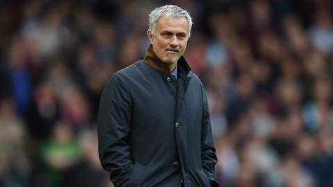 Tỷ lệ Mourinho bị sa thải tăng mạnh sau trận Chelsea thua West Ham