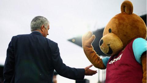 Ảnh chế thất bại 1-2 của Chelsea trước West Ham