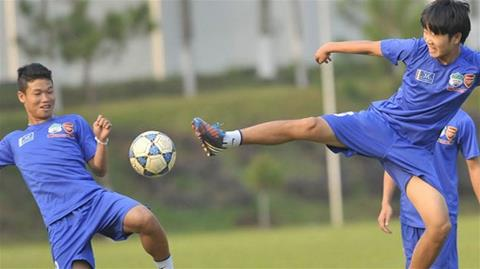 Đông Triều (trái) và Xuân Trường, hai cầu thủ xuất sắc của Học viện HAGL Arsenal JMG