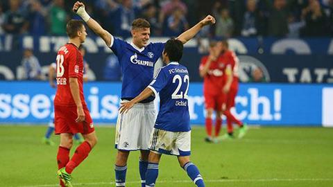 Schalke (áo xanh) bất ngờ có được chiến thắng trước Leverkusen