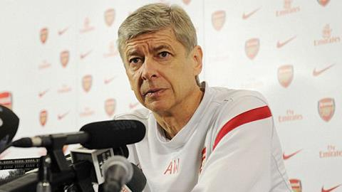 Wenger khẳng định ông sẽ quyết định mua ai, bán ai