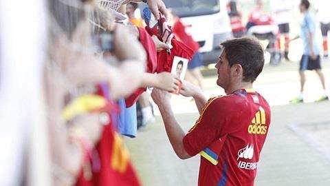 Casillas sẽ bắt chính ở Champions League