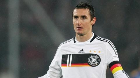Cùng với Gerd Mueller, Klose là một trong 2 chân sút đóng góp nhiều bàn thắng nhất cho ĐTQG Đức