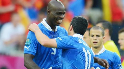 Dưới thời Prandelli, các cầu thủ trẻ như Balotelli (trái), hay như cựu binh Di Natale đều biết cách tỏa sáng