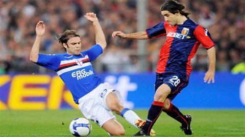 Trận derby giữa Sampdoria - Genoa (phải) luôn rất máu lửa và có chút hận thù