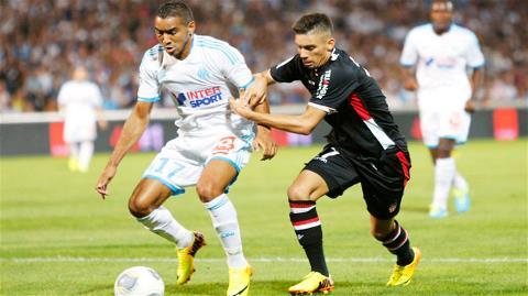 Payet (trái) và đồng đội sẽ có trận đấu khó khăn trên sân Bastia