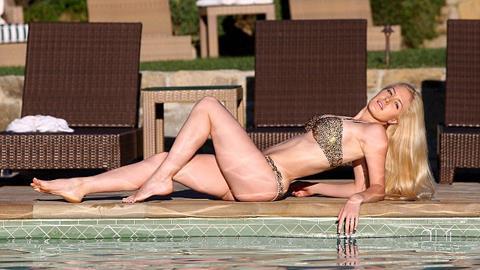Người đẹp yêu thầm CR7 khoe đường cong rực lửa ở bể bơi, tin shock , heidimontag1