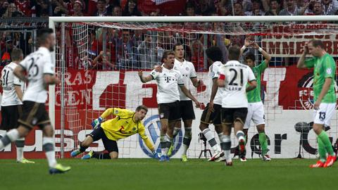 Bayern Munich dễ dàng đi tiếp sau chiến thắng trước Hannover 96