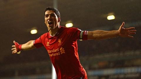 Suarez vừa gia hạn hợp đồng với Liverpool đến năm 2018