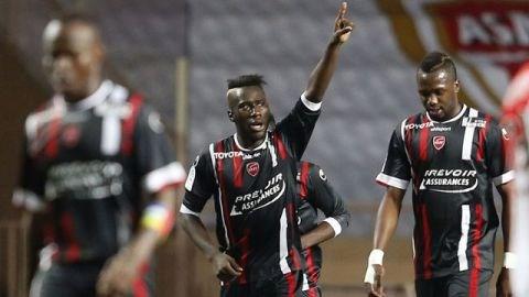 Valenciennes xuất sắc hạ gục Monaco ngay trên sân khách