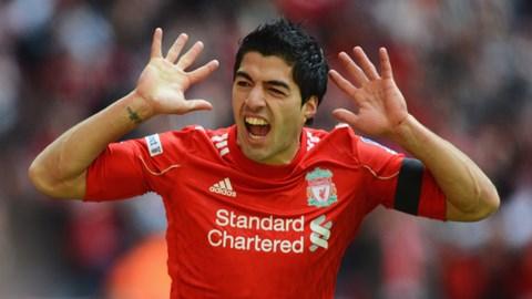 Luis Suarez mới gia hạn hợp đồng với Liverpool đến năm 2018