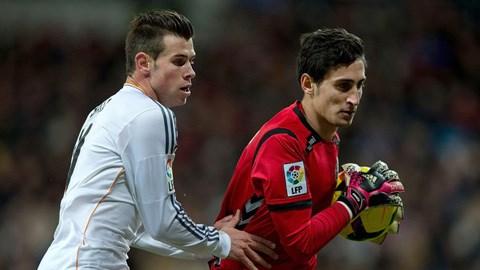 Gareth Bale (trái)