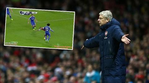 Arsenal bị từ chối 1 quả phạt đền