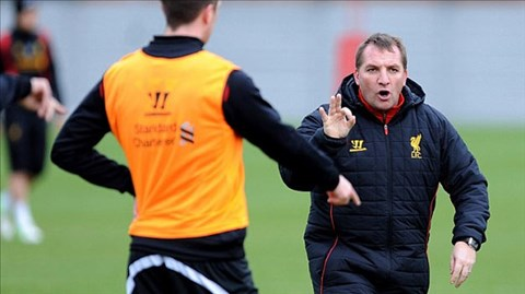 HLV Brendan Rodgers có nhiều nét giống với huyền thoại Alex Ferguson của M.U