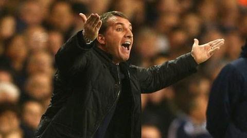 Rodgers bức xúc với hàng loạt sai lầm của trọng tài