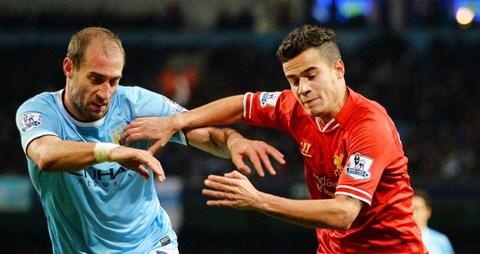 Thất bại trước Man City không phải là thảm họa với Liverpool (áo đỏ)