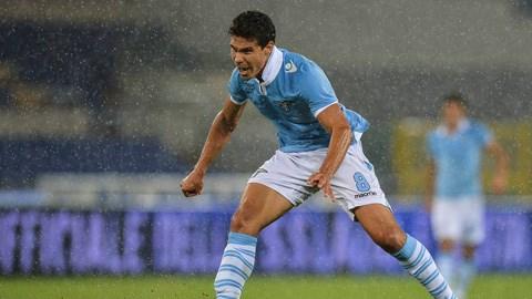 Tiền vệ Hernanes của Lazio