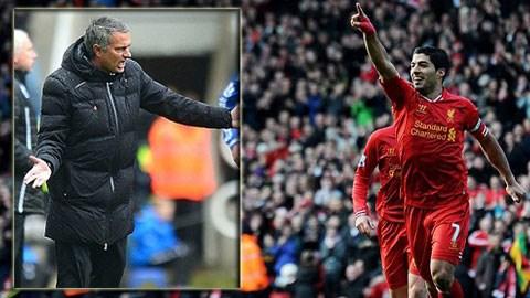 Mourinho nói đùa rằng ông hy vọng Suarez không thể đá trận Liverpool gặp Chelsea