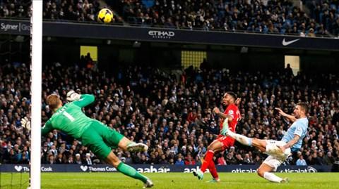 Sterling bỏ lỡ nhiều tình huống ngon ăn trận gặp Man City