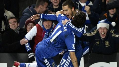 Eden Hazard (phải) đã có trận đấu hay trước Liverpool