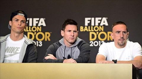 Ronaldo đã vượt qua Messi và Ribery để giành Quả bóng Vàng 2013
