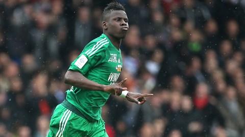 Hậu vệ St Etienne thừa nhận đã được HLV Mourinho liên...