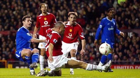 Trận cầu kinh điển: M.U lần đầu đánh bại Chelsea ...
