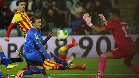 Messi tái hiện siêu phẩm vào lưới Getafe sau 7 năm