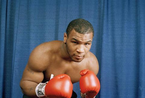 miketysonn Tự truyện sự thật không tranh cãi của Mike Tyson: Những trận đánh đầu tiên của vua knock out