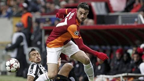 Galatasaray (trên) xuất sắc đánh bại Juventus để vượt qua vòng bảng Champions League mùa này