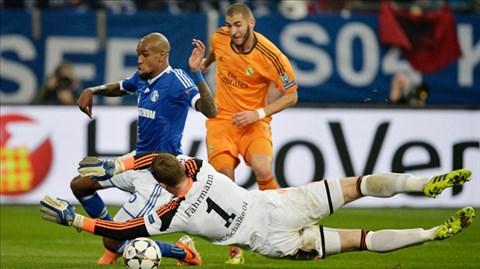 Trước Real, thủ môn Faehrmann là người hiếm hoi của Schalke chơi hay