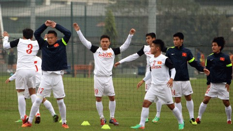 ĐT Việt Nam tập nhẹ để tạo sự hưng phấn cho các cầu thủ. Ảnh: Phan Tùng